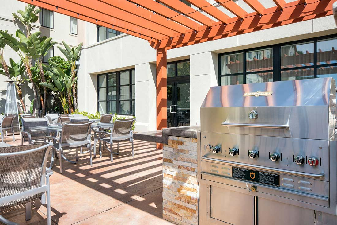 Homewood Suites by Hilton ™ Anaheim - Main Gate Area ... on Patio Grilling Area id=23042