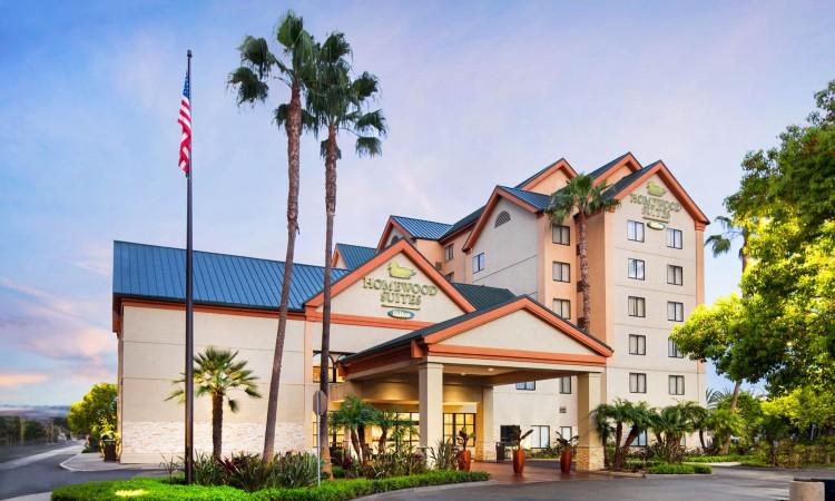 Homewood-Suites_Anaheim_DisneyMainGate_Exterior_Final